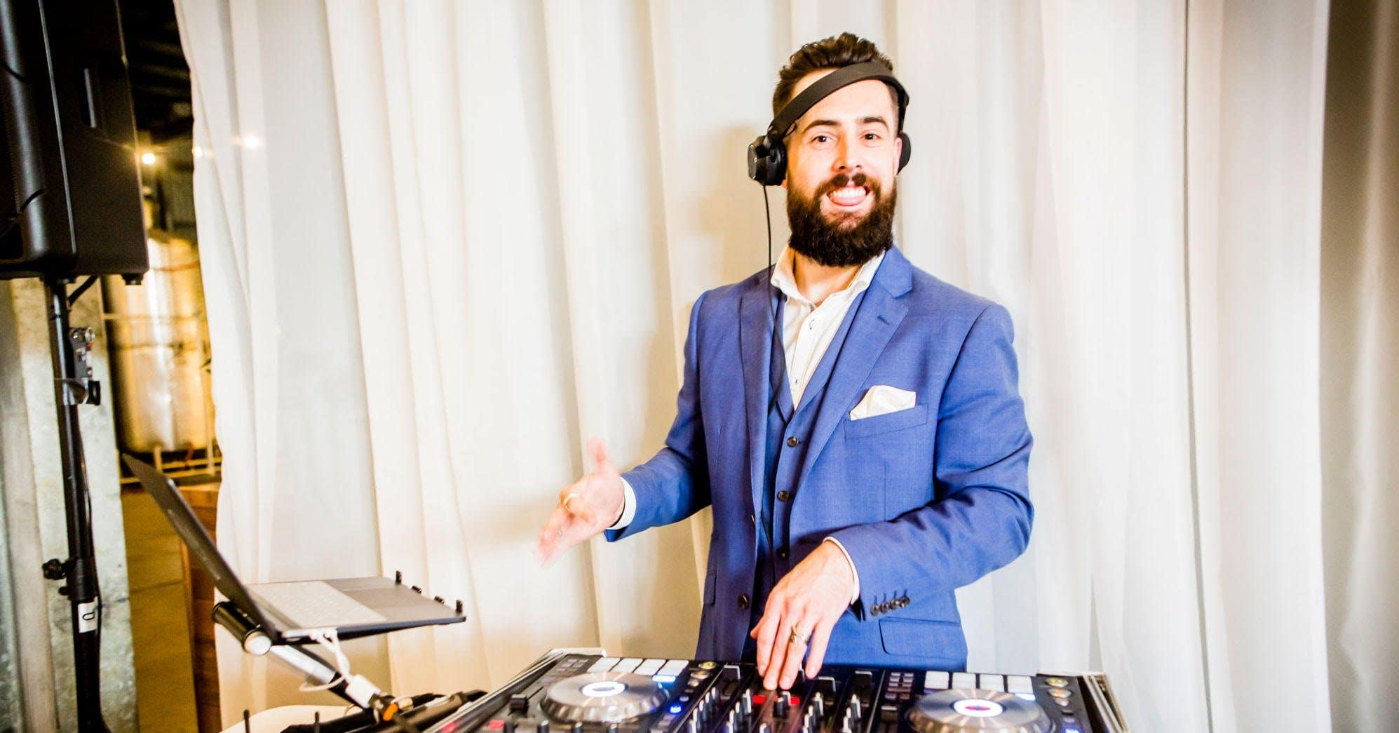 Melbourne DJ Eddy Mac Plays At A Winery Wedding
